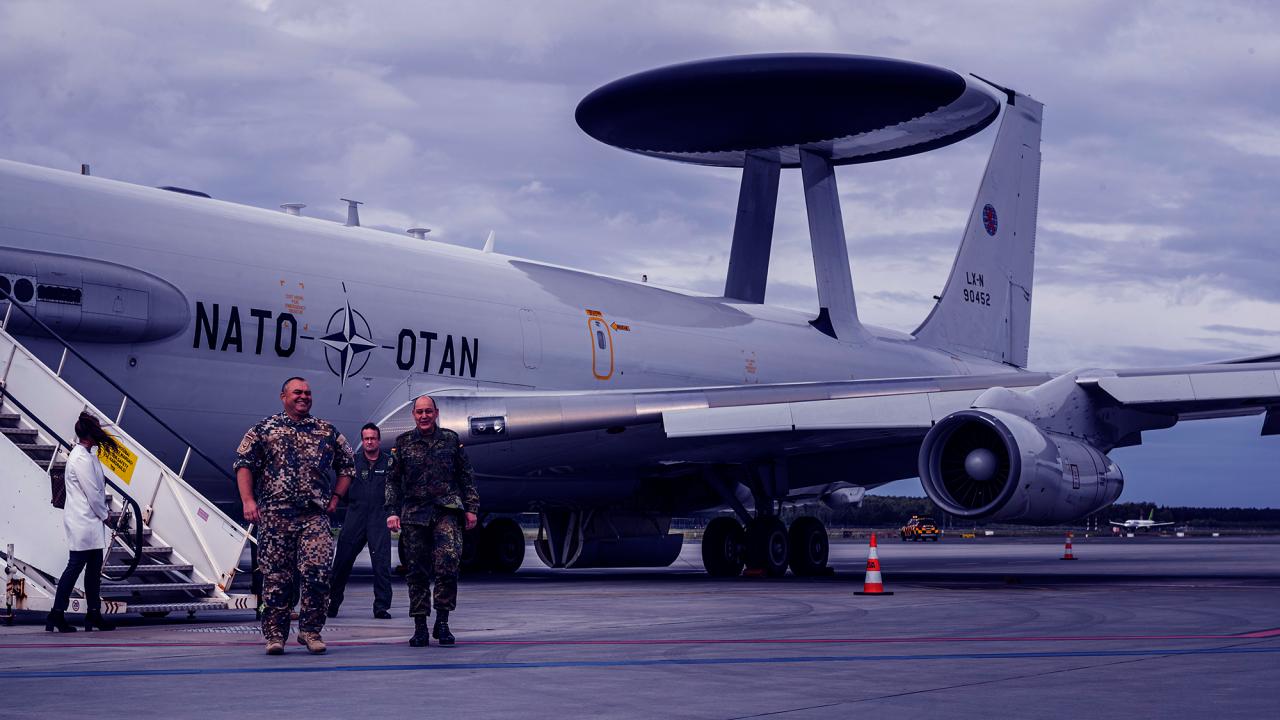 Valsts un militārajiem reisiem